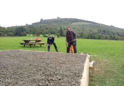 Bruchhausen jetzt mit befestigtem Platz auf der  Landewiese
