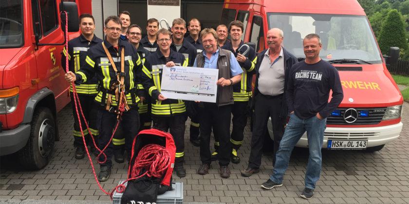 SauerlandAIR beteiligt sich an Feuerwehr Notfallausrüstung